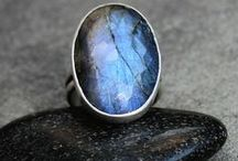 Statement rings / Statement rings: big and bold, expressive, unique design. They are stand out from the crowd.