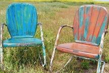 Chairs - Motel Medal / by Marjorie Sakelik