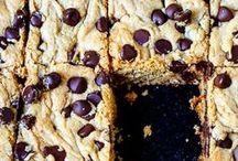Bars, Blondies & Brownies / Recipes of deliciously sweet bars, blondies and brownies!