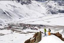 Las Leñas - Argentina / Trinta pistas para a prática de ski e snowboard, um Snowpark, uma escola para aprender ou aperfeiçoar suas habilidades na neve, uma das descidas ininterruptas por pistas mais longas do mundo e uma qualidade de neve espetacular fazem de Las Leñas um dos maiores e mais importantes centros de ski da América do Sul.