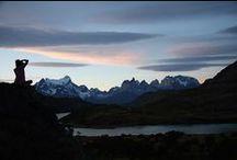 Awasi Patagonia / Localizado em uma reserva privativa, vizinha do Parque Nacional Torres Del Paine, o Awasi Patagonia tem vista privilegiada ao imponente maciço Las Torres e Lago Sarmiento. Inspiradas em antigos refúgios patagônicos as 12 (doze) vilas foram construídas privilegiando a vista aos bosques, lagos, pampas e montanhas com privacidade.
