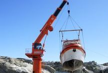 Telescopic Boom Cranes / The TL series is a fully hydraulic Telescopic - boom Marine Crane on slewing bearings. The lifting capacity extends from 10 up to 3000 metrical tons. Due to the telescopic boom configuration, the crane in stored position occupies a compact space.