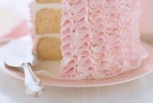 Dreaming in pink / Incredible sweets dressed in pink / by Patrizia Malomo