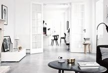 Simple Decor / Clean lines & simplicity make for an elegant look.