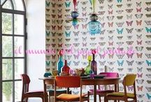HARLEQUÍN / Originalmente fundada como una compañía de papeles pintados, ha abrazado su patrimonio mediante la producción de papeles pintados impresionantes en una selección que todo lo abarca de diseños y texturas. Un maestro de la imagen de fondos extravagantes, se especializa en acabados, técnicas imaginativas visionarias y colores deliciosos - garantizado para hacer las paredes de una obra de arte por derecho propio.