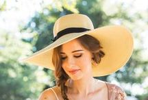 Floppy hat outfit / woman hat