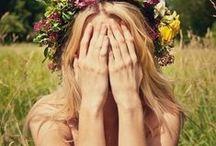 make me happy / Quando la felicità ci viene incontro non è mai vestita come pensavamo. Spesso ci passa accanto silenziosa...basta saperla riconoscere, anche nelle piccole cose.