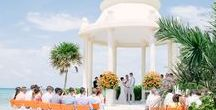 Gazebo Wedding Inspiration / Are you dreaming of saying 'I Do' under a gorgeous, classic gazebo on the beach or in a garden? We have all the inspiration you need to start planning!