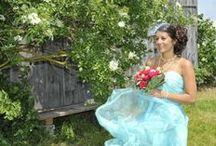 powder Bräute / Neben meinen Kollektionen fertige ich auch Brautkleider auf Wunsch an. Die Kleider sind so individuell wie Ihre Trägerinnen, immer mit einer guten Portion powder.