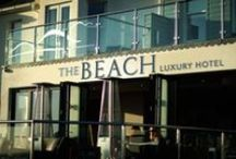 The Beach Hotel in Bude / Challenging the stereotype of British seaside hotels, The Beach is a genuine boutique hotel offering luxury accommodation in a fabulous position overlooking Summerleaze Beach in Bude.