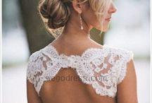 Here Comes the Bride / Fabulous wedding ideas / by Katie Schierloh