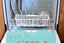 Simple ideas / Ideas that help us use items found in our home as solutions to our everday life challenges: laundry, cleaning, etc. Go forth and meet your challenges empowered with simple solutions.
