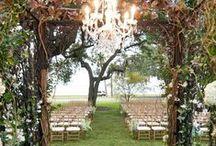 Secret Garden Wedding / Timeless beauty. Romantic greenery. Hidden places. True love.