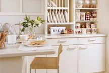 Traditional Kitchens / #kitchen