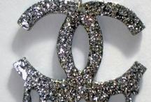 Accessories  / Aquellos accesorios que hacen que lo que vestimos brille más Those accessories that make what we wear more shine  / by insolitwomen