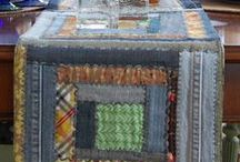 Quilts--Table Runners & Mats / by Courtney Ricker