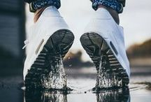 SNEAKER | PHOTOGRAPHY / FOOTWEAR | SHINING |PAIRS | LACEUP |KETTLE | SHOESTRING |BOLOTIE |LIFE |COLOURS |BRANDS |WHITE |BLACK |PRIME | COLLECTION
