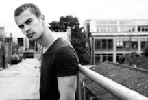 Theo James Style