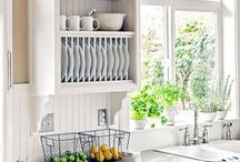 Kitchen Remodel / Kitchen remodeling ideas. Layouts, cabinets, popular colors, tile ideas and more.