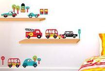 Auto's, verkeer & Jongens / Gebruik ons bord als inspiratie voor de ideale jongenskamer vol auto's, trucks, vliegtuigen, verkeersborden, helicopters, vespa's, kevers of andere verkeersspulletjes!