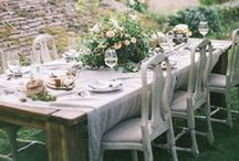 Tablescapes / Entertaining, hosting, party and table setting and decor ideas for gatherings, holidays, parties and celebrations.