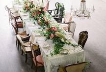 HOME FEATURES\\At the table / Tablescapes and dinnerware