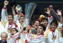 UEFA KUPASI ŞAMPİYONLUĞU / 1999-2000 UEFA KUPASI'NIN SAHİBİ ŞANLI GALATASARAY'IN ZAFERİNİ FOTOĞRAFLAR İLE YAŞAYALIM...