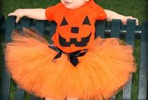 Halloween babywearing costumes! / Here you can find DIY babywearing halloween costumes  #pumpkin #orange #castle #witch