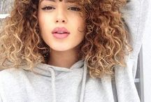 Curly Hairstyles / All of the curly hairstyles of the world that we just love to look and and twirl around our fingers.