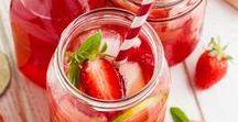 Erdbeer Rezepte / Was gibt es Besseres als ein Stück Erdbeertorte? Oder einen Erdbeereisbecher? Erdbeeren an Salaten sind auch total spannend. Hach – Wir lieben einfach Erdbeeren! Deshalb brauchten wir für diese Saison neue Erdbeer Rezepte!