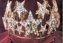 Crowns and Tiaras / by Helen Runk