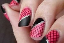 Nail Art Beauty. From simplicity to elegance.