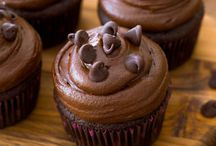 FOODIE | Cupcakes & Cakes