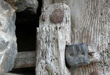 Weathered wood / Wood