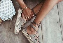 accessories + shoes / accessories | fashion + necklaces + shoes + sandals + jewelry + purse + handbag
