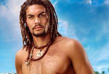 Jason Momoa / Joseph Jason Namakaeha Momoa (born August 1, 1979) is an American actor, model, director, writer, and producer. He is known for his television roles as Ronon Dex (2005–09) on the military science fiction television series Stargate: Atlantis (2004–09) and as Khal Drogo in the HBO fantasy television series Game of Thrones (2011).