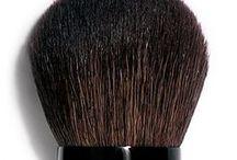 Makeup accessories / Las mejores herramientas para recrear tus looks favoritos.
