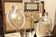 Jewelry Display & Biz / by Leila Wood
