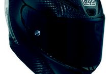 AGV Pista GP / The Pista GP is the revolutionary new top of the range model. Developed in collaboration with Valentino Rossi and other riders from the World Championship Series, the Pista GP sets new standards in terms of protection and ergonomics and is the benchmark for professional race helmets. The carbon fibre shell and the EPS internal components were optimised using FEM techniques (Finite Elements Analysis) to obtain an extremely high performance helmet in terms of size, light weight and protection.
