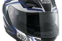 AGV Horizon / The Horizon is mainly intended for GT and Sport Touring purposes which involve frequent long periods of use, often at high speed under variable conditions of weather and light. With this GT spirit in mind the Horizon is principally functional but the DD strap, overall lightness and spoiler (which enhances its aggressive look and aerodynamic properties) give it a more of a Race helmet character / by AGV Helmets Official