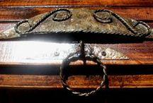 Raíces en forja, detalles. / Artesanos que doman  al fierro y la madera formando, un conjunto originalmente armónico, https://www.facebook.com/raices.enforja?ref=hl