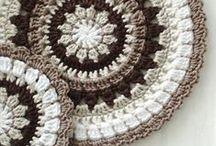 Szydełkiem: wzory, motywy, techniki /Crochet: patterns, motifs, techniques