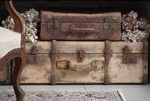 Walizki, kufry, skrzynie / Suitcases, trunks, chests