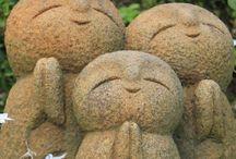 Jizo/Douso-Shin 地蔵/道祖神 / お地蔵さんと道祖神です。ずっと長い間、我々をそっと守ってくれてる、有難い存在です。
