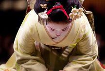 Ojigi / 美しいお辞儀は、見てても気持ちが良いモノです。日本人の所作も素晴らしいモノだと思いませんか^ ^