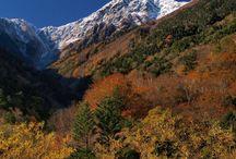 """本州 """"Hiro-Gawara"""" / 日本最大の山脈、「赤石山脈」は、南アルプスとして知られています。そしてこの南アルプスは、日本で二番目に高い山を擁してます。日本第2位の高峰「北岳」の登山口と知られる広河原は、マイカー規制をされてますので、中々、行きずらい所です。が、流石、北岳の登山口ですね。「北岳バットレス」と言う大絶壁側の山容がバッチリ望めます。夜叉神峠、北沢峠、白鳳渓谷も一緒に載せてます。"""