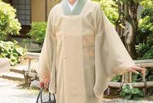"""着物 """"Michiyuki"""" / 羽織より格式が高いようですね。どうも、羽織、道行、道中着が、曖昧です。和服の場合は、洋服に比べ、格式等、(和服は複雑)気を付けなければいけない点も多いのかな?と思います。まぁ、和服も着れない日本人ってのも悲しいので 勉強してTPOに合わせた着こなしが出来ればですね。"""