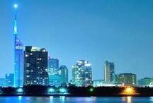 Fukuoka Night View / メトロポリスナイトビューから独立しました。中洲、天神、博多に加え、新しい街がドンドン生まれてます。九州最大の都市として有名な都市ですね。そして、大歓楽街の中洲を擁する街としても有名です。計画的にお店に入らないと福岡市で散財しますw