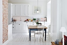 Pretty Kitchens / by Zoe Tyler