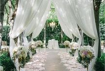 Wedding Decor We Love / Inspiration for wedding decor and planning your event space.